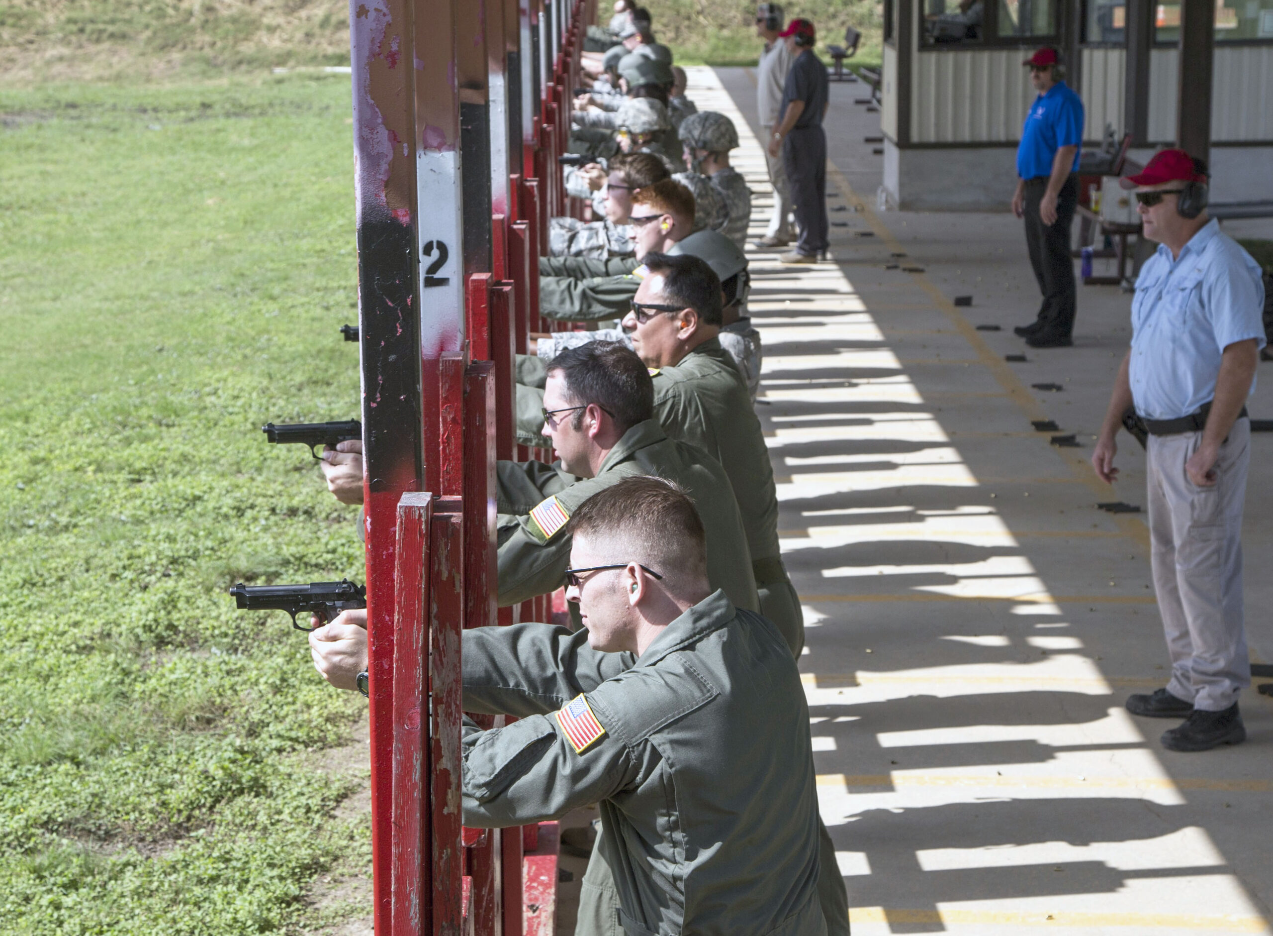 Weapons qualification course students