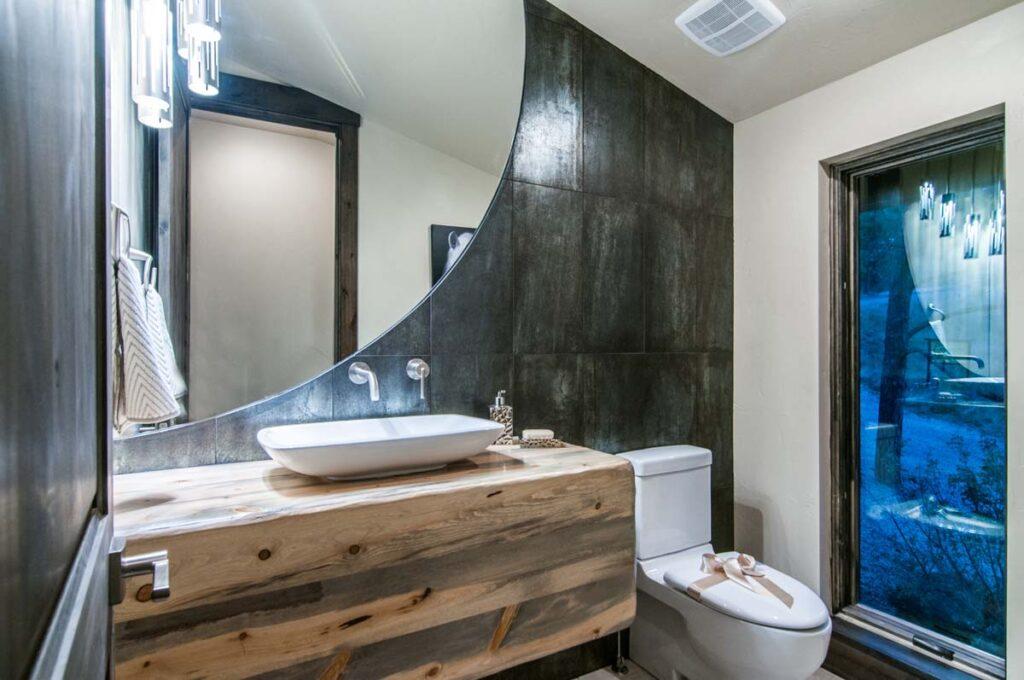 Bathroom1_high_1928384