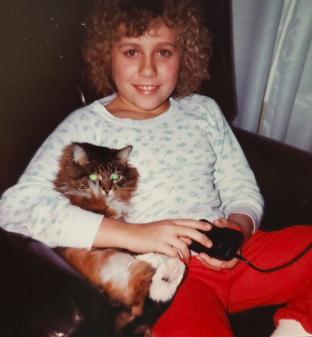 Rachelle Dene Poth and cat