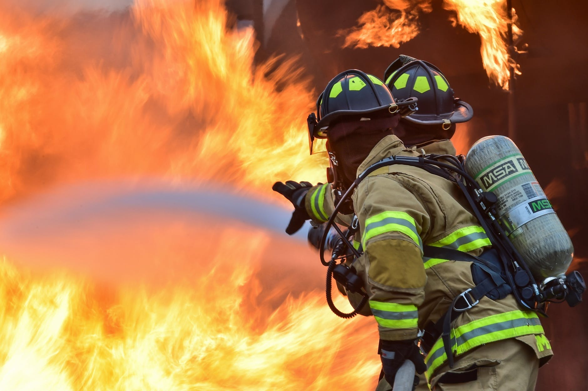 Rockford, IL - Structure Fire Injures One At Island Ave