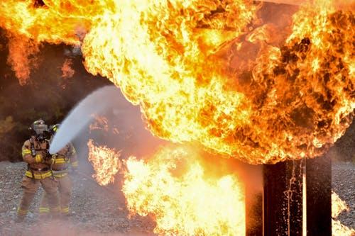 Rockford, IL- One Burn Victim In Fire At 2330 Kilburn Ave