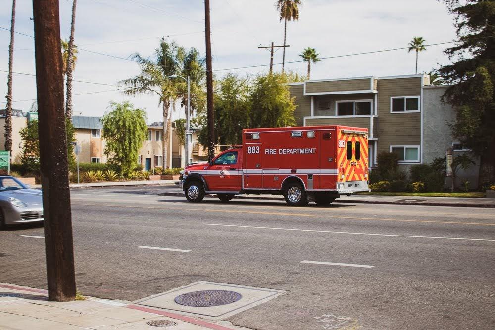 Rockford, IL – Ambulance Injury Crash at E State St & S Longwood St