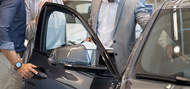 5-Warning-Signs-of-Bad-Used-Luxury-Car-Dealer