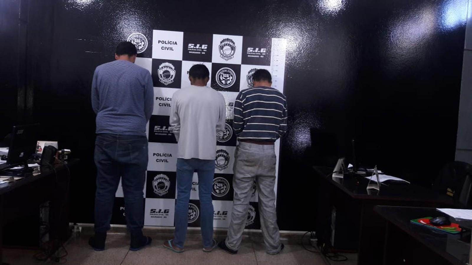 Três presos por latrocínio e homofobia contra cabeleireiro (Foto: Liziane Zarpelon/TV Morena)