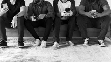 O Grindr agora permite aos usuários a possibilidade de se conectar com até 15 pessoas em uma mesma conversa. (Foto: Divulgação)