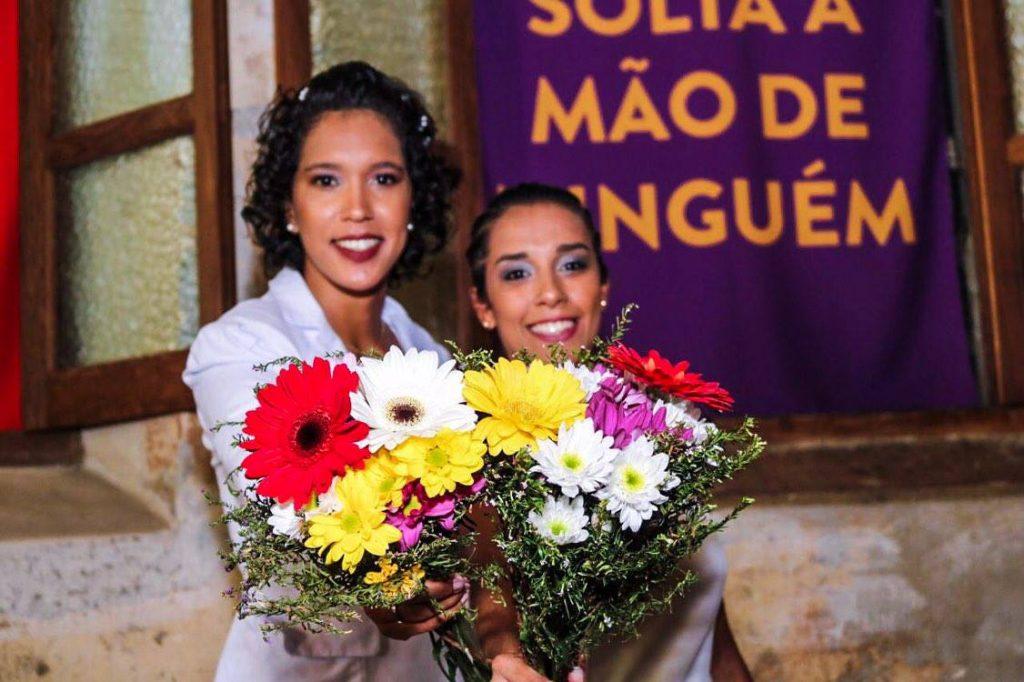 A cerimônia foi realizada de forma colaborativa por voluntárias, voluntários e empresas parceiras. (Foto: Luiz Rocha/Reprodução/Mídia NINJA)