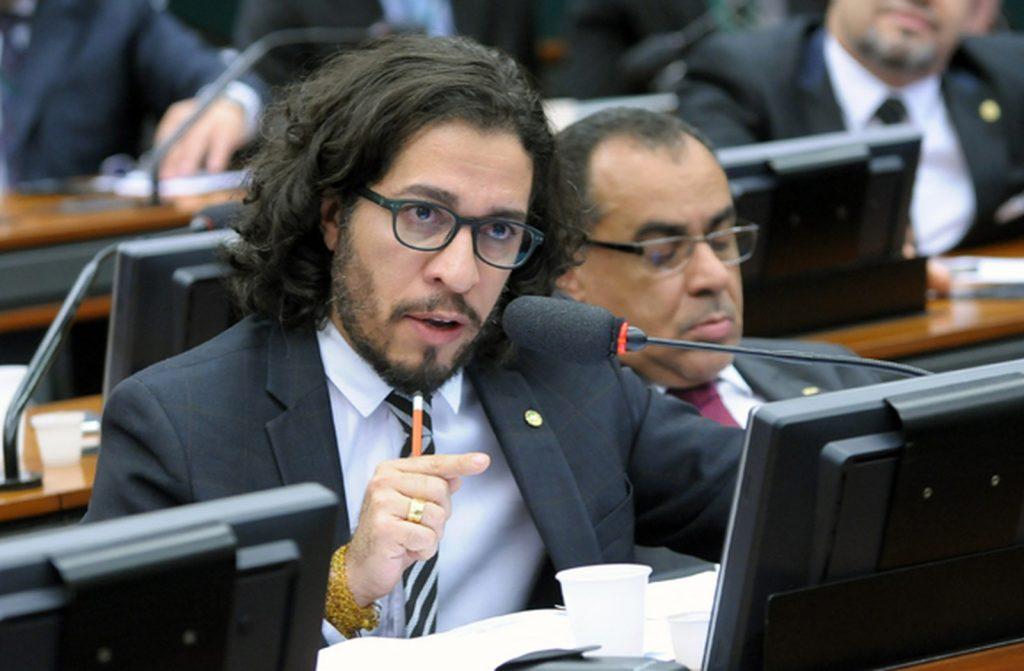 O deputado Federal Jean Wyllys (PSOL-RJ), durante audiência em comissão da Câmara. (Foto: Alex Ferreira/Câmara dos Deputados)