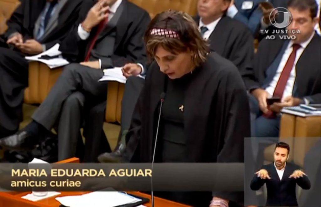 Maria Eduarda Aguiar, da Associação Nacional de Travestis e Transsexuais (Antra) e a primeira trans com carteirinha da OAB-RJ com nome social. (Foto: Reprodução)