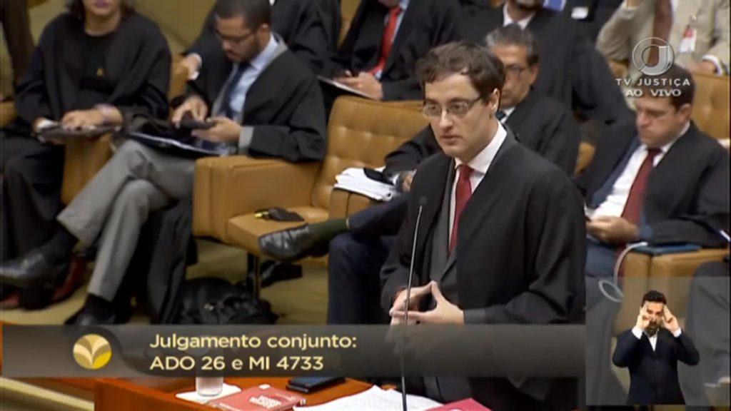 Paulo Iotti, gay e autor das ações do PPS (Partido Popular Socialista) e a Associação Brasileira de Gays, Lésbicas e Transgêneros (ABGLT). (Foto: Reprodução)