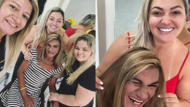 Jhéssyka, Tatiana e Lilian após a transformação de Ana Paula no salão. (Foto: Reprodução/Facebook)