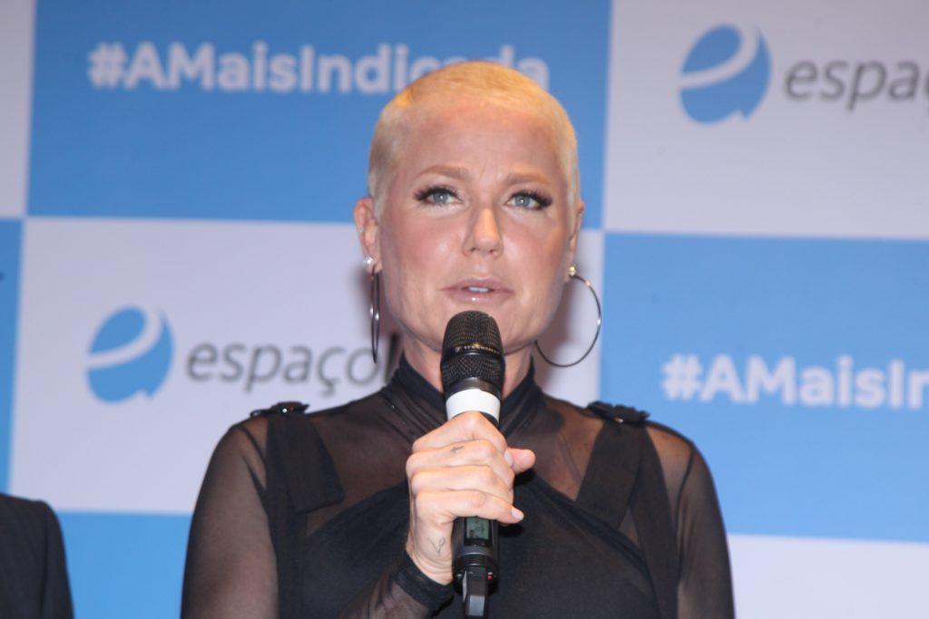 Xuxa durante inauguração de loja em São Paulo. (Foto: Marcello Sá Barreto/Brazil News)