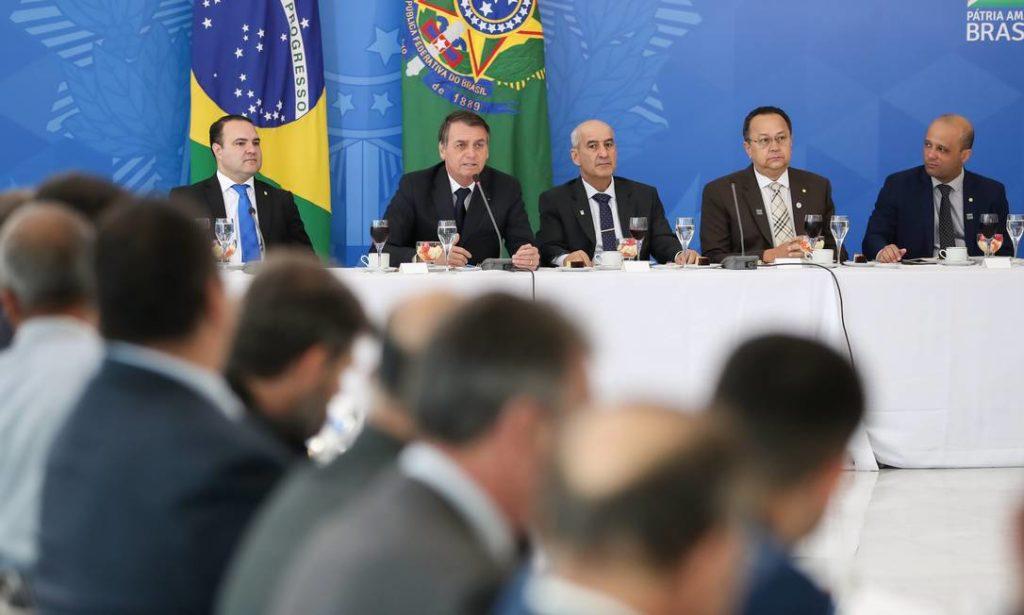 Bolsonaro recebe bancada evangélica para café da manhã na última quinta-feira, dia 11. (Foto: Marcos Côrrea / PR)