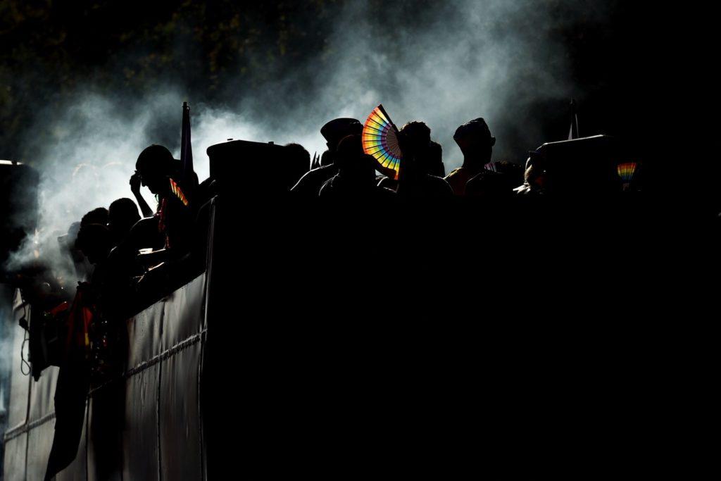 Participantes comemorando na Parada LGBT da Espanha. (Foto: Josep Lago / Agence France-Presse - Getty Images)