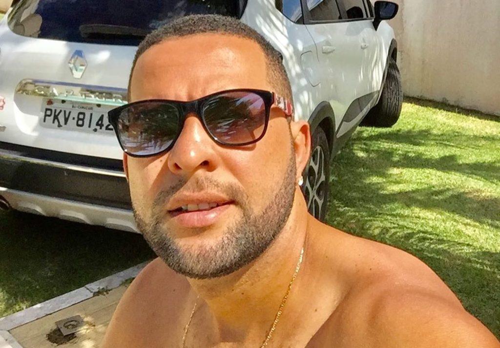 Vítima de homofobia, Marcelo Macedo foi agredido e baleado em um bar na Bahia. (Foto: Reprodução/Instagram)