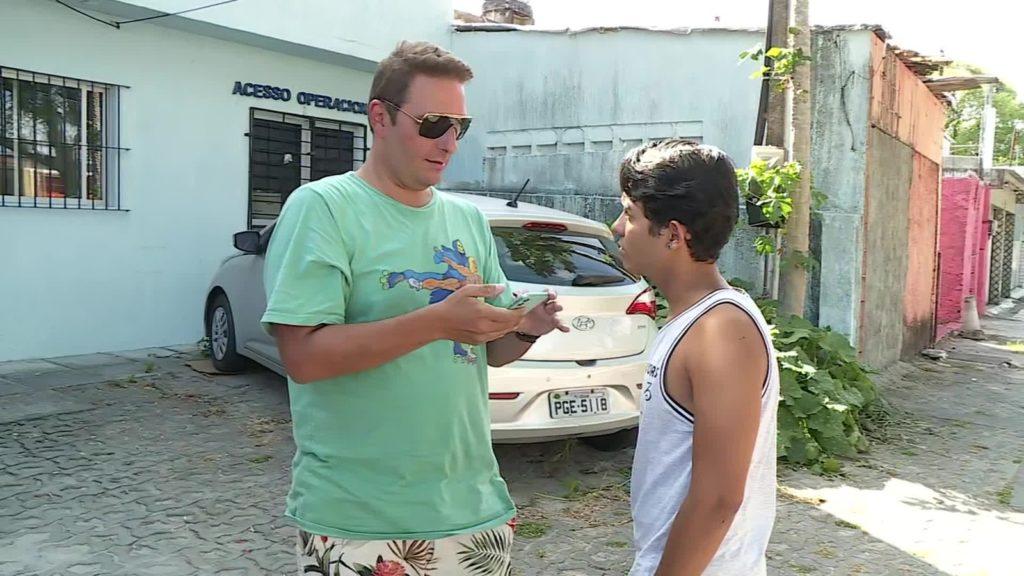 Eliseu Neto e Ygor Higino denunciaram homofobia durante corrida no Recife. (Foto: Reprodução/TV Globo)