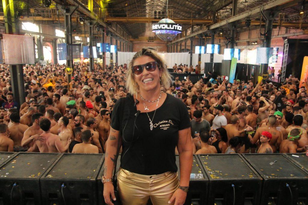 Rosane Amaral surpreende o público com grandes espetáculos a cada edição. (Foto: Divulgação/Gustavo Bresciani)