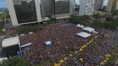 Bloco das Montadas bate recorde de público e leva 60 mil pessoas para o Setor Bancário Norte. (Foto: Reprodução)