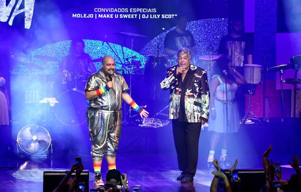 Tiago Abravanel canta com Sidney Magal. (Foto: Manuela Scarpa / Brazil News)