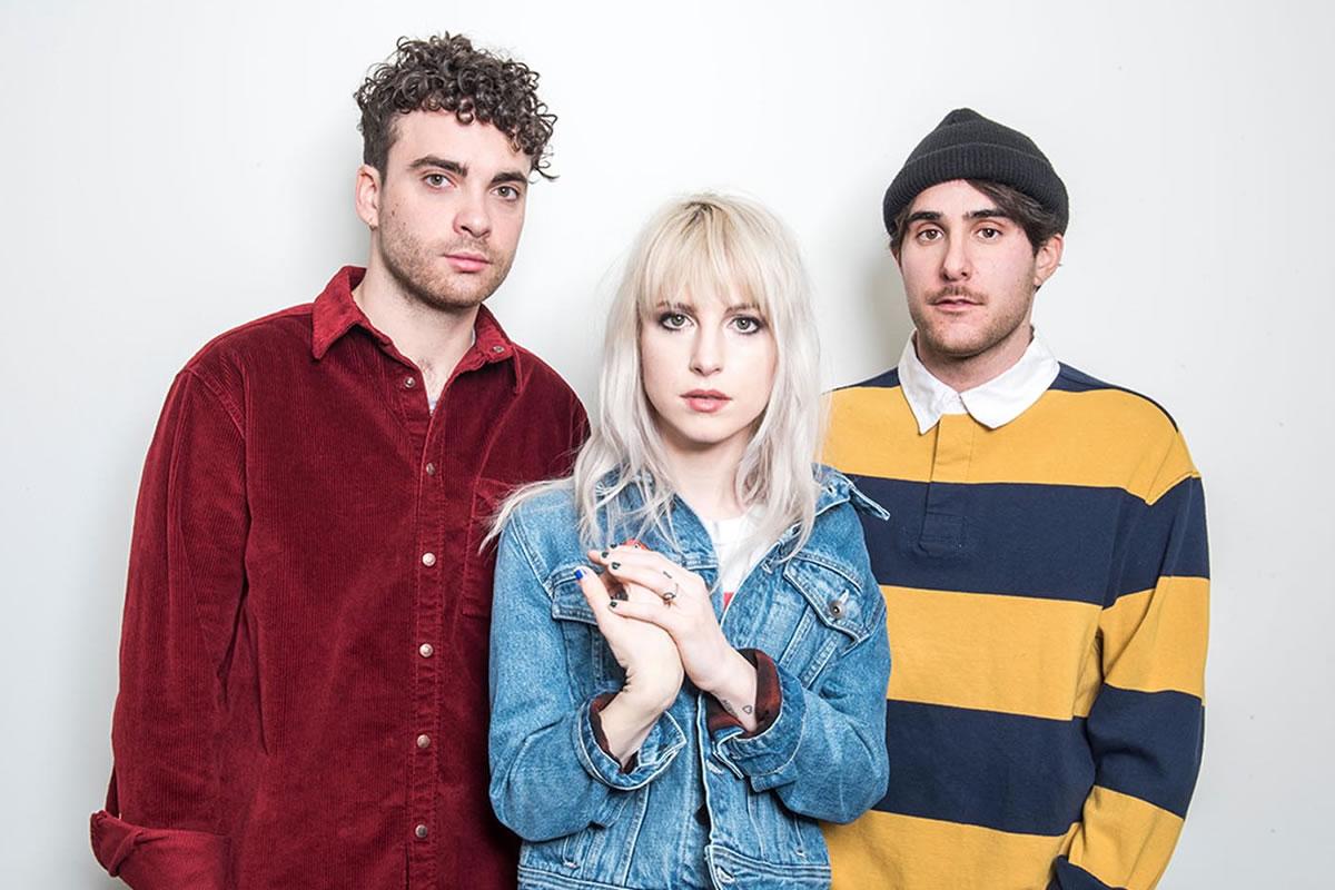 Os três membros atuais do Paramore são Hayley, o guitarrista Taylor York e o baterista Zac Farro. (Foto: Divulgação)