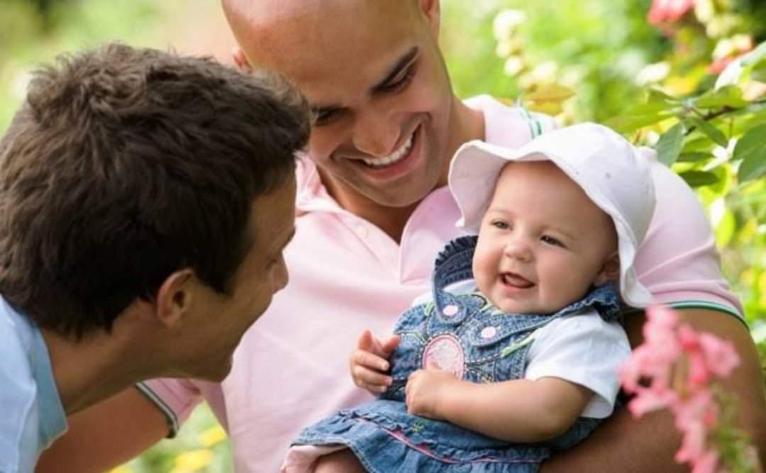 Grupo Boticário anuncia licença parental de 120 dias para casais do mesmo sexo. (Foto: Getty Images)