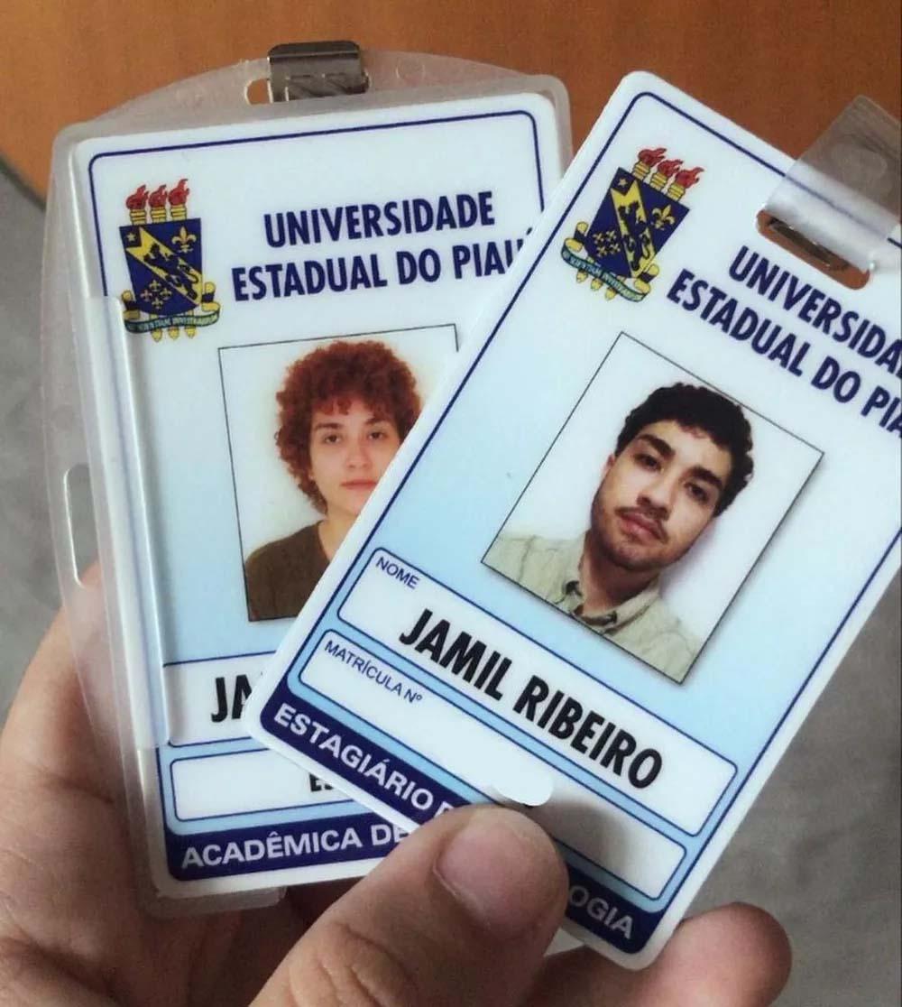 """Jovem refaz fotos de formatura após se identificar como não-binário; """"quem apareceria na placa não seria eu"""". (Foto: Arquivo Pessoal/Jamil Ribeiro)"""