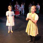Young Elsa & Anna
