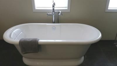 Lake-Oswego-Master-Bathroom-01