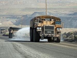 Riego de caminos para control de polvo