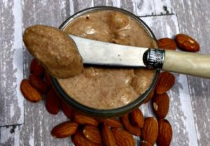 Homemade Raw Almond Butter