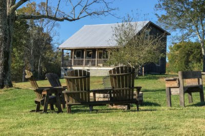 The Airbnb Guest House at Apple Ridge Farm 40 Minutes from Franklin Tennessee