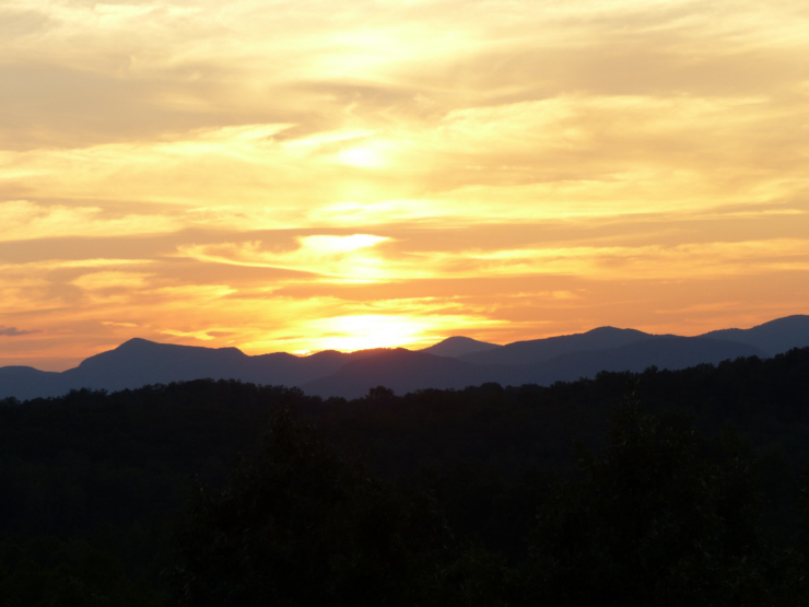 160905 Sunset over mountains