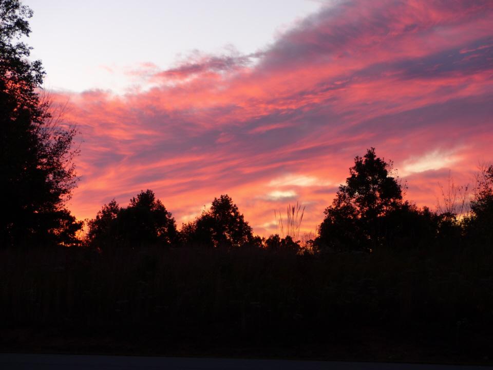 161022 Sunrise over the cemetery