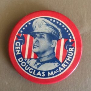 Large 2.5 inch Gen MacArthur Pinback