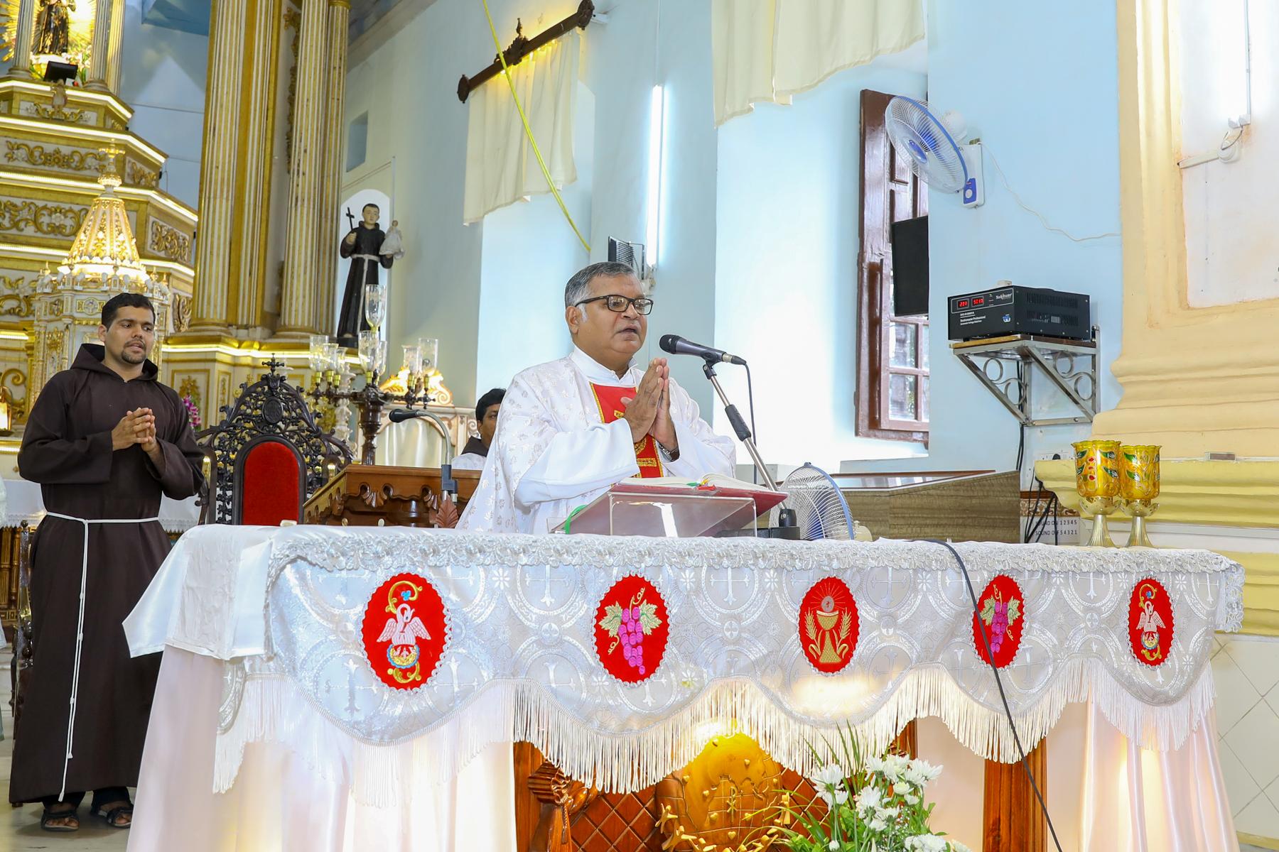 Fr Anand Pais St Diogo Church