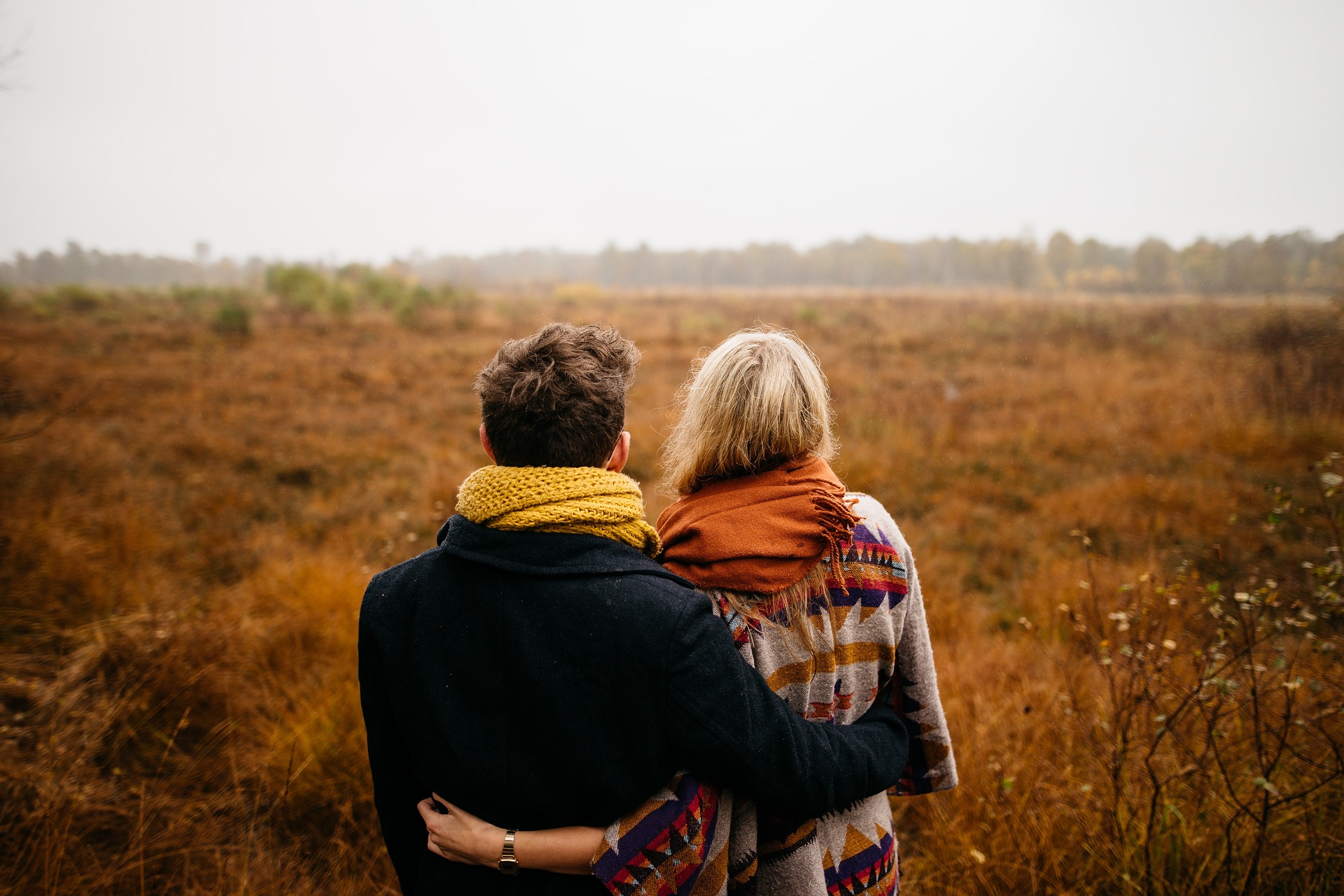 Austin and I are huge fans of teamwork in the marriage. That's why I think that putting in time and energy with your spouse in team building activities is worth it. Today, I invited Becky Butner on to share with us her ideas of how to build teamwork.