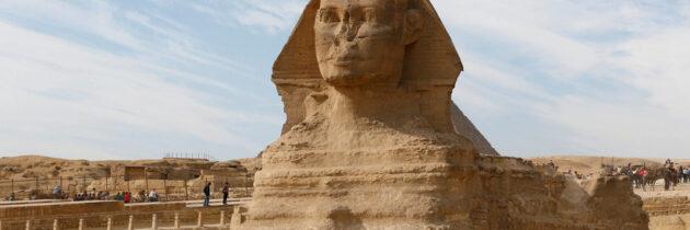 Activación de los Guardianes de las Dimensiones y conexión con la Esfinge en Egipto para configurar los dos felinos de la entrada del Museo como conectores de luz de la conciencia Atlante en Argentum Aurum.