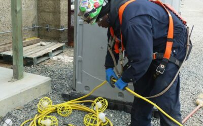 Informed, Real-time Communication Promotes Safety of Oil and Gas Workers