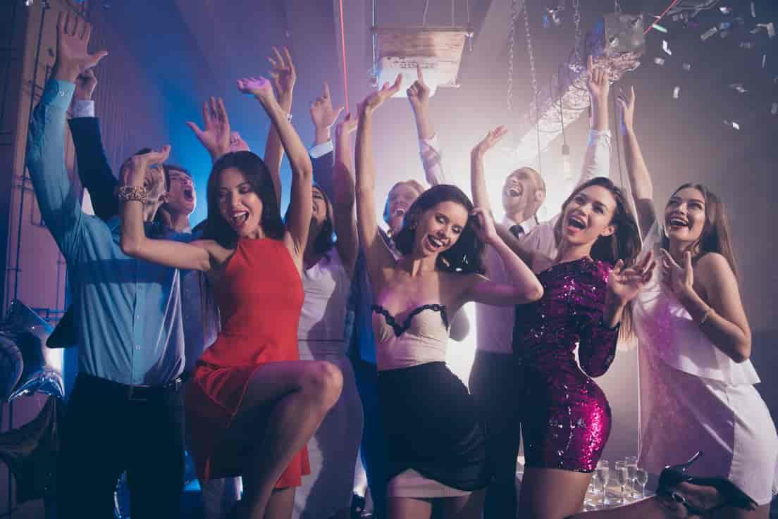 Nightclub-Party-Bus-2