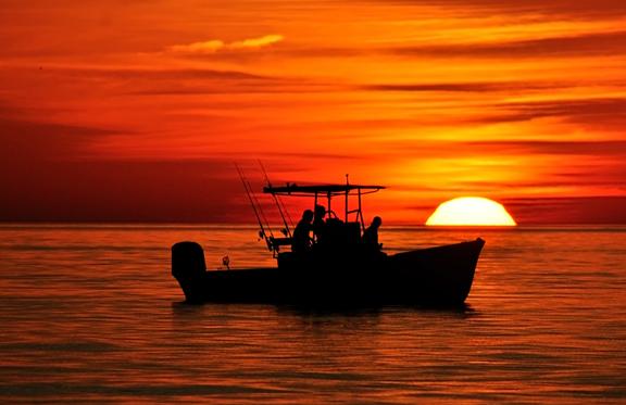 WEB-Boat-Sunset