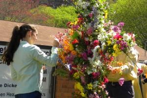 Decorating the Cross closeup