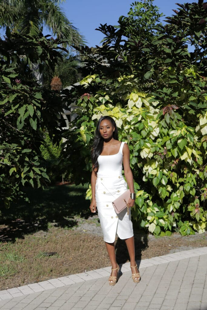 all white womens outfit