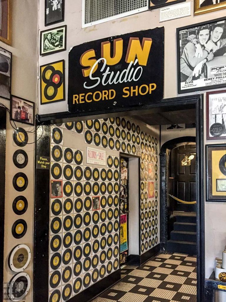 The Sun Studio Tour starts in the foyer which serves as a bar and souvenir store.