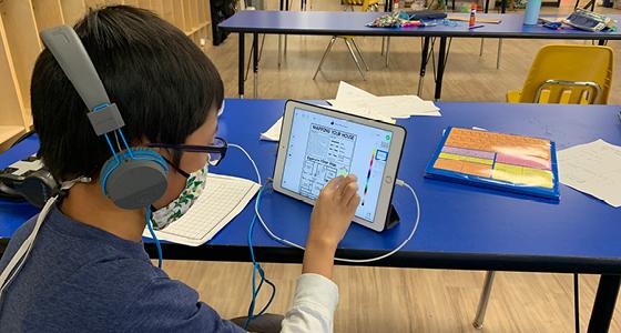 Children Learning Online