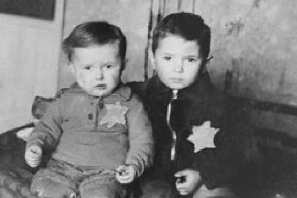 Jewish children wearing the yellow star