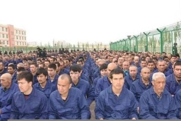 """Un """"camp de rééducation"""" au Xinjiang en Chine."""