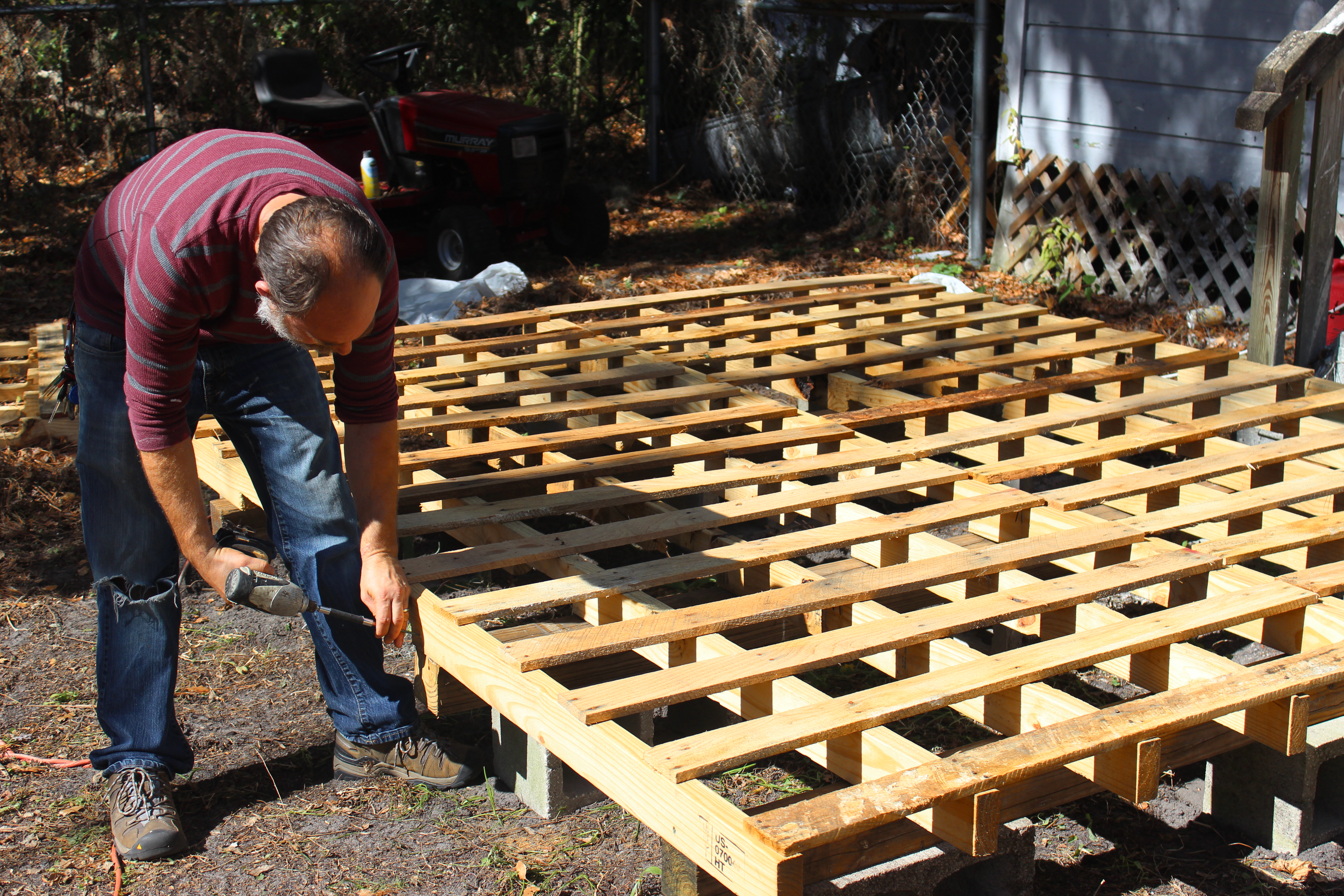 Step 5 Fasten Pallets to Beams