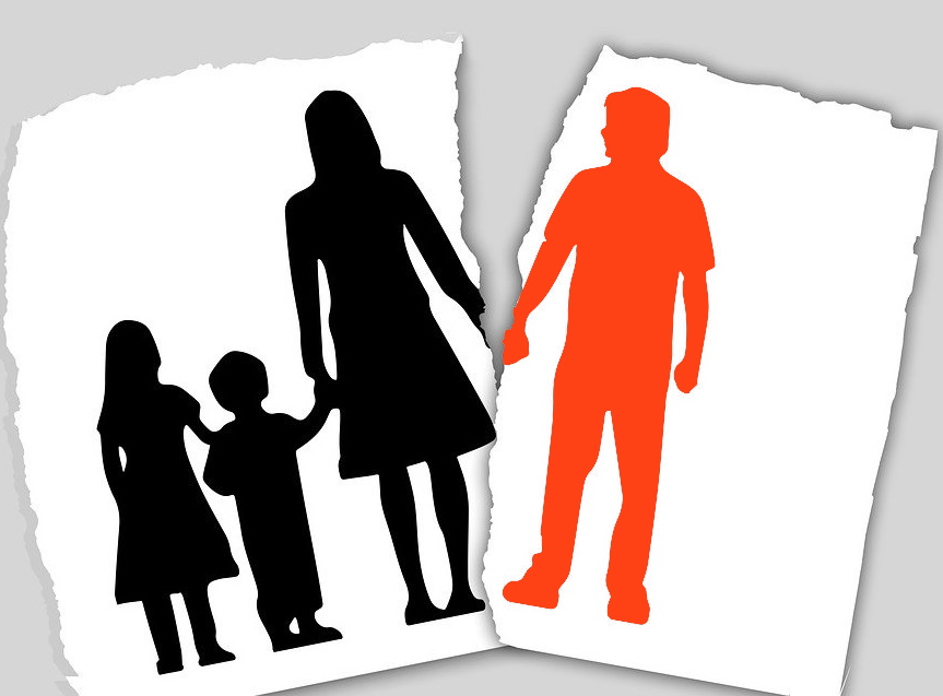 Image of mother and children torn from father in parental alienation
