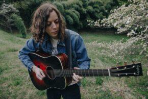 Willie DE (solo acoustic)