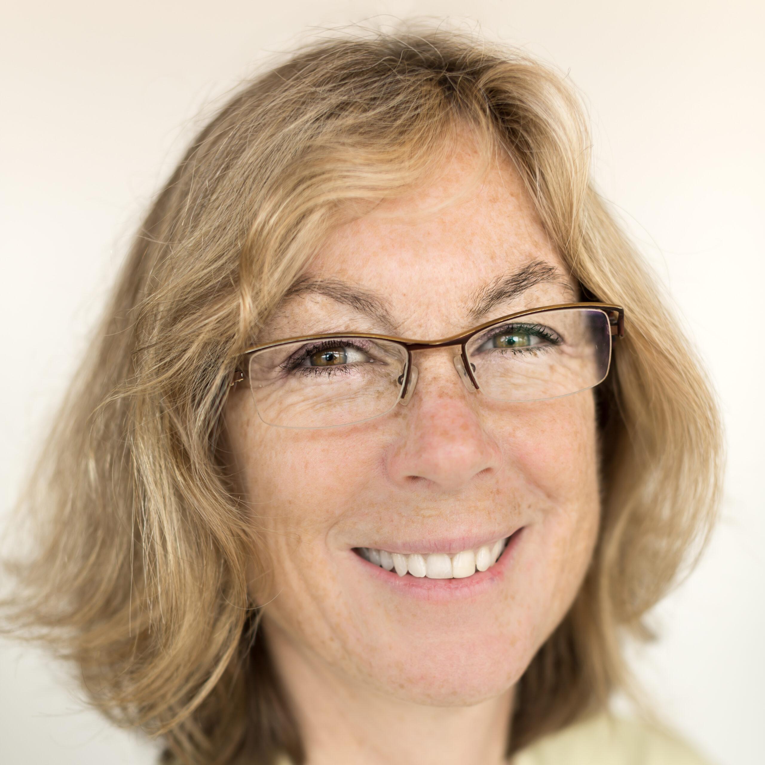 Dr Claire Ellis