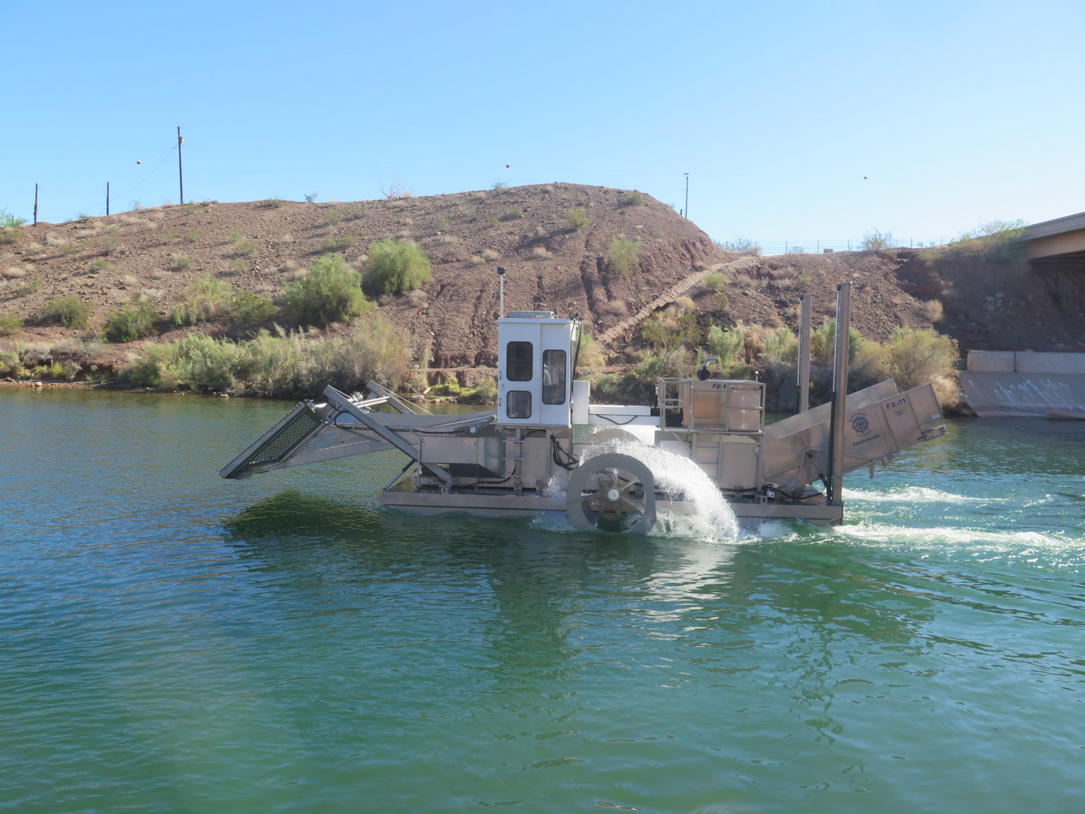 Alphaboats FX-11 Waterweed Harvester on the Job in Arizona
